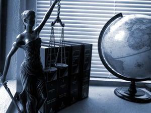 lady-justice-2388500_1280